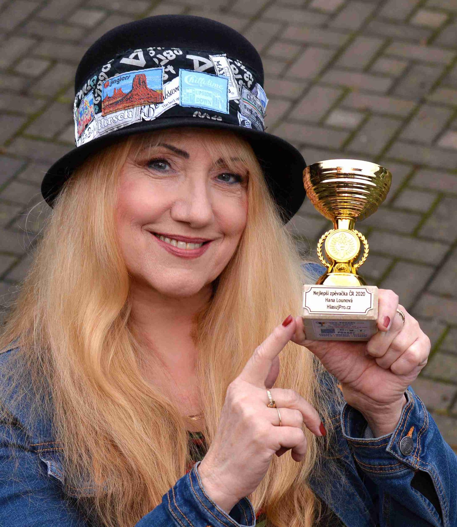 Nejlepší zpěvačka Hana Lounová
