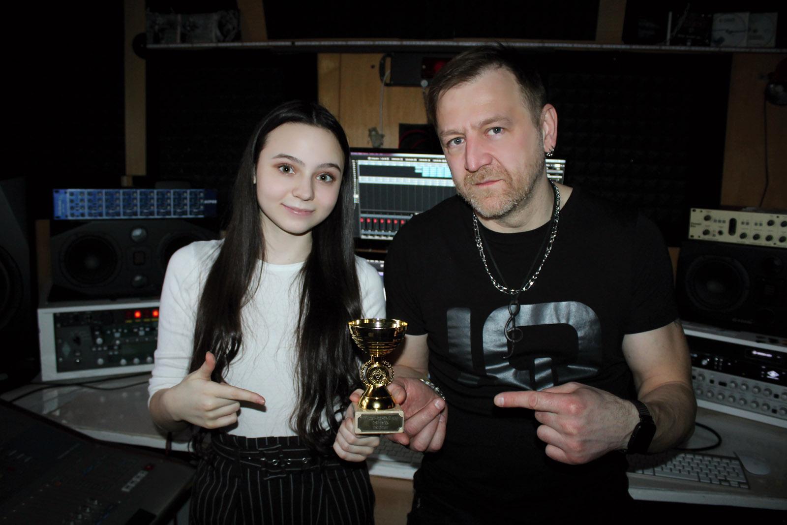 Nejlepší píseň - Nela Třetinová & Maco Berger – Světlo naděje